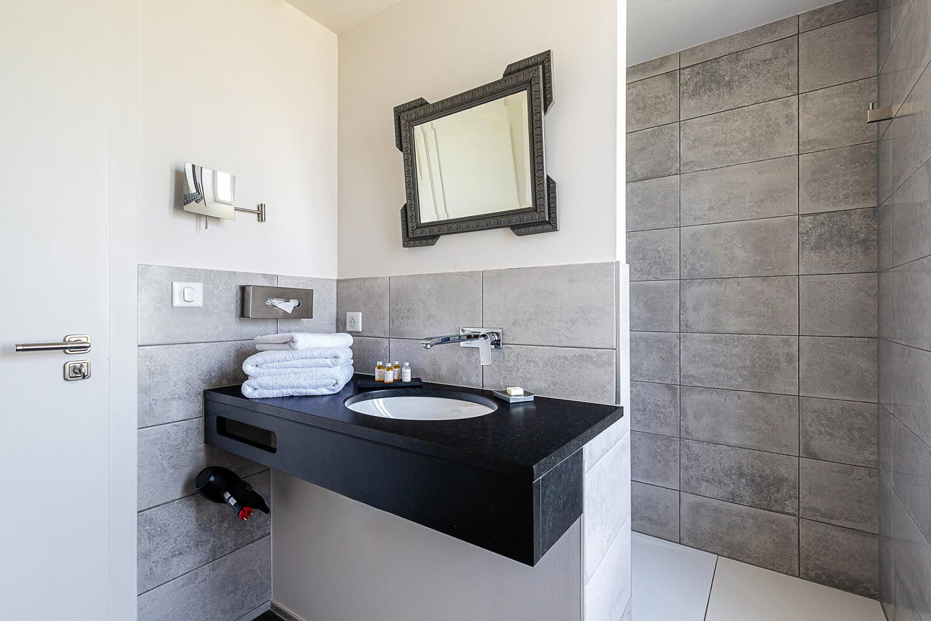 Immensité Lodgings : the bathroom